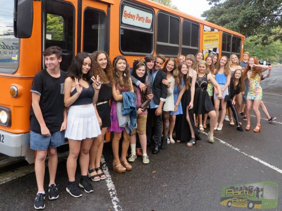Teen Party Bus 12